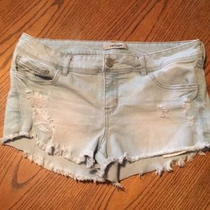 Refuge denim distressed shorts size 10